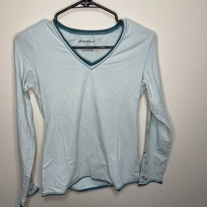 ✨Eddie Bauer light blue long sleeve with detailing